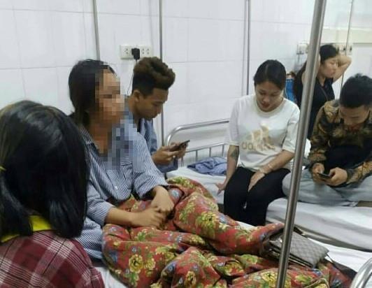 Thêm một nữ sinh nhập viện vì bị đánh hội đồng - ảnh 1