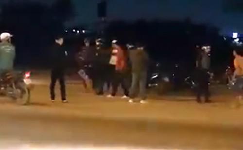 Cảnh sát cơ động bị tấn công khi kiểm tra xe máy vi phạm - ảnh 1