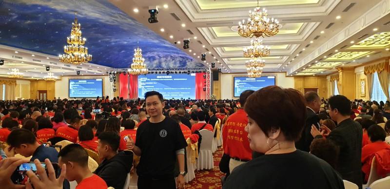 Dừng hoạt động biểu diễn cho đoàn 2.000 khách Trung Quốc - ảnh 1