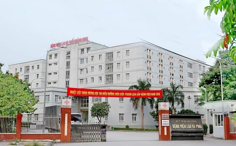 Cách ly nhân viên y tế, bệnh nhân 1 bệnh viện ở Quảng Ninh - ảnh 1