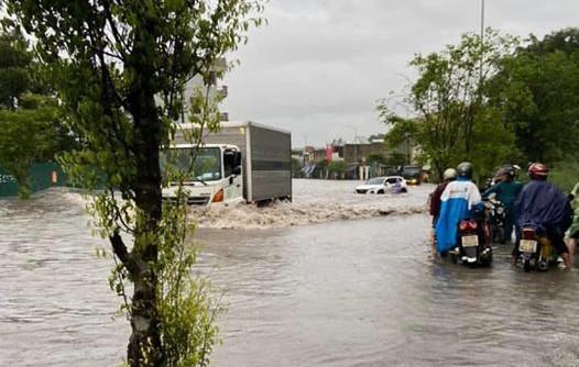 Mưa lớn gây ngập cục bộ nhiều nơi ở Quảng Ninh  - ảnh 1