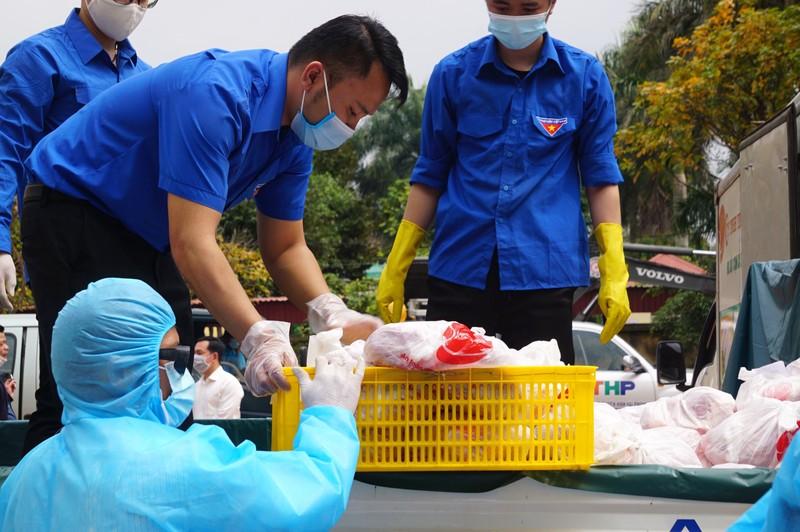 Hải Phòng tiếp tế lương thực, thực phẩm cho dân khu phong tỏa - ảnh 3