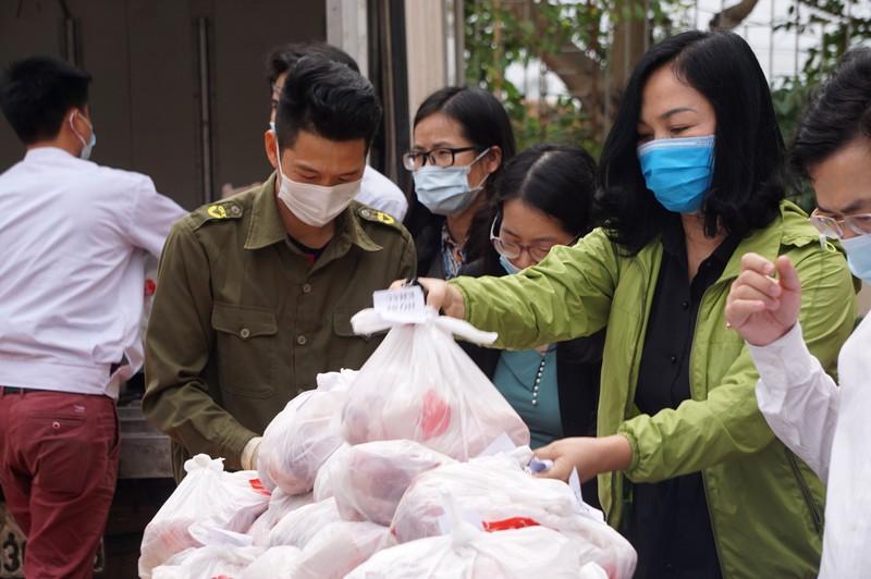 Hải Phòng tiếp tế lương thực, thực phẩm cho dân khu phong tỏa - ảnh 7