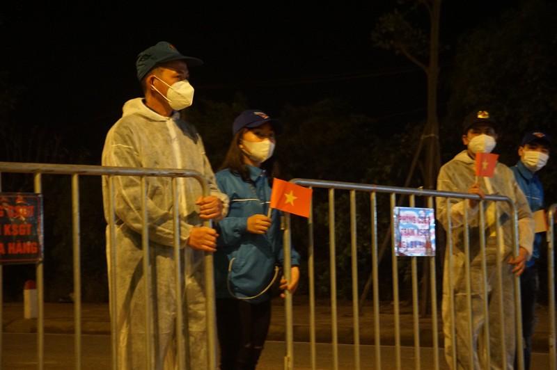 Tâm dịch Chí Linh được gỡ bỏ phong tỏa trong đêm - ảnh 4