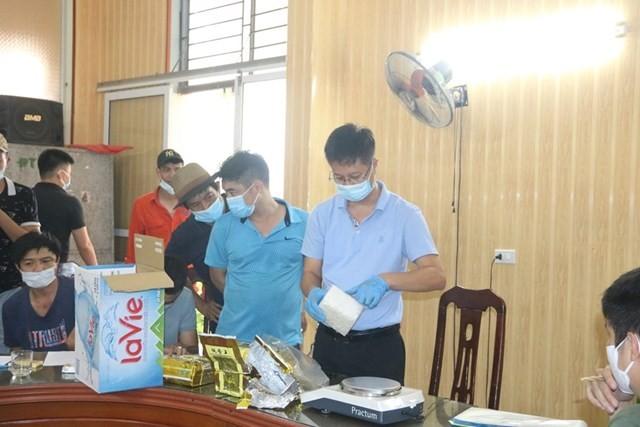 3 người đưa 5 kg ma túy từ Nghệ An về tới Hải Phòng thì bị bắt - ảnh 1