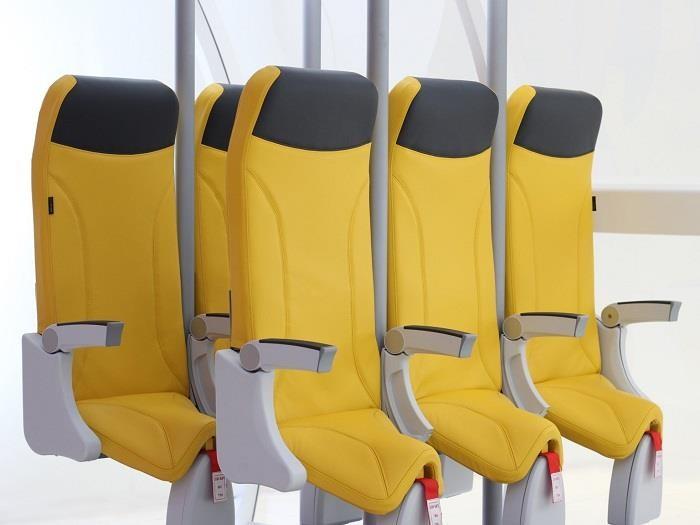 Ghế ngồi máy bay giá rẻ sẽ như… yên ngựa - ảnh 1