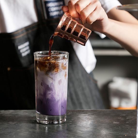 Nữ doanh nhân mở quán cà phê 'độc, lạ' Việt Nam ở New York  - ảnh 3