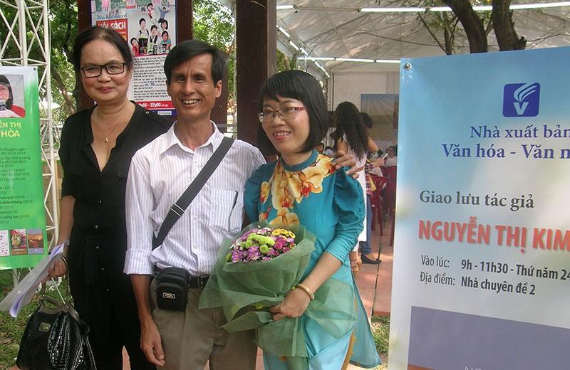 Nhà văn trẻ Kim Hòa: Hoa xương rồng vững chắc giữa sa mạc - ảnh 4