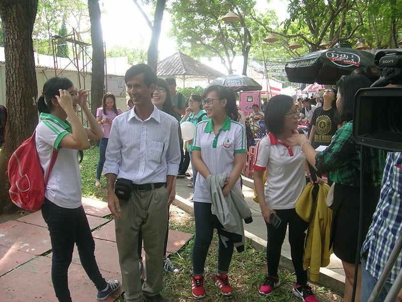 Nhà văn trẻ Kim Hòa: Hoa xương rồng vững chắc giữa sa mạc - ảnh 6