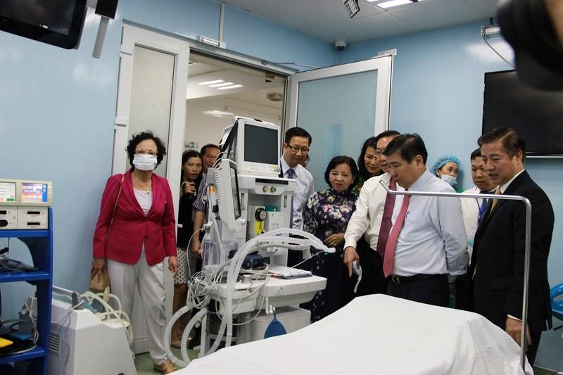 Phẫu thuật nội soi bằng robot ở BV Bình Dân - ảnh 2
