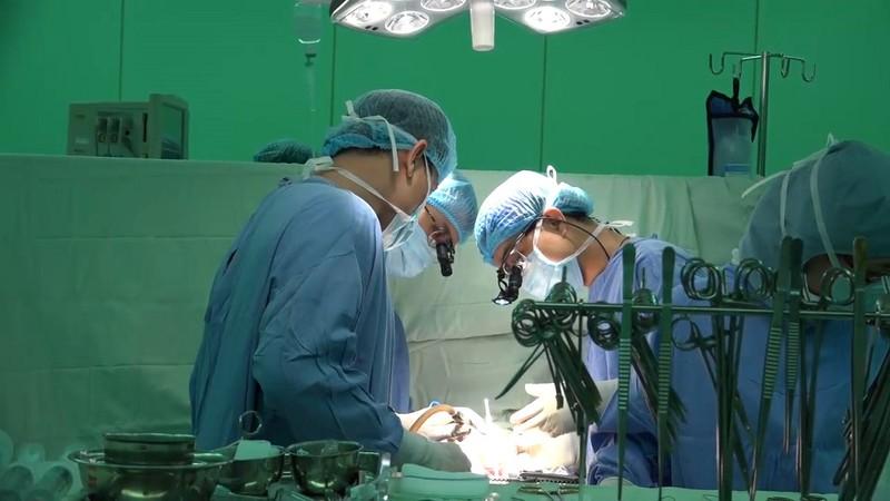 200 ca mổ tim ít xâm lấn: 'Đẳng cấp trung tâm tim mạch' - ảnh 1
