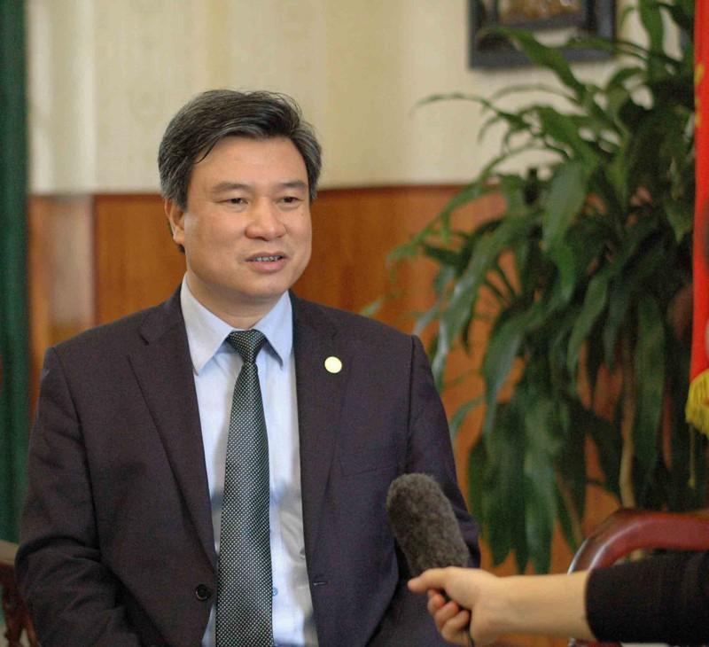 Bộ trưởng Phùng Xuân Nhạ nhận trách nhiệm trước dân vụ thi cử - ảnh 1