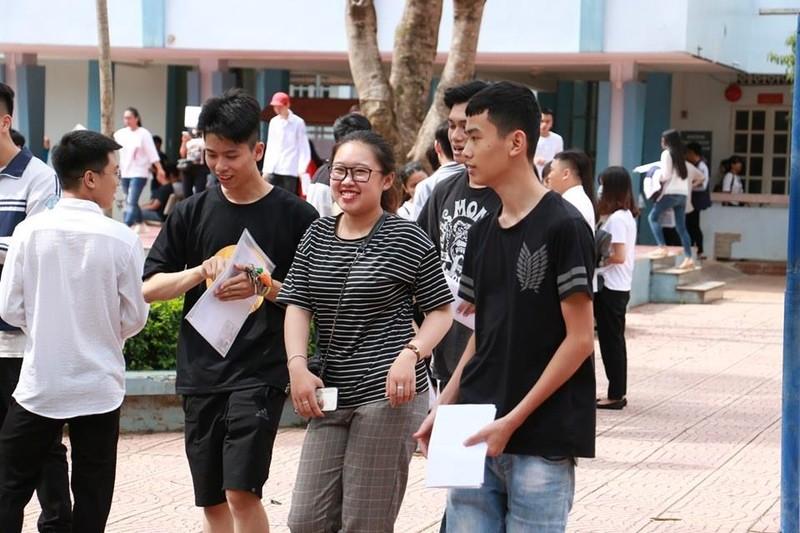Giao cho công an thí sinh chụp ảnh đề Văn đăng lên mạng - ảnh 1