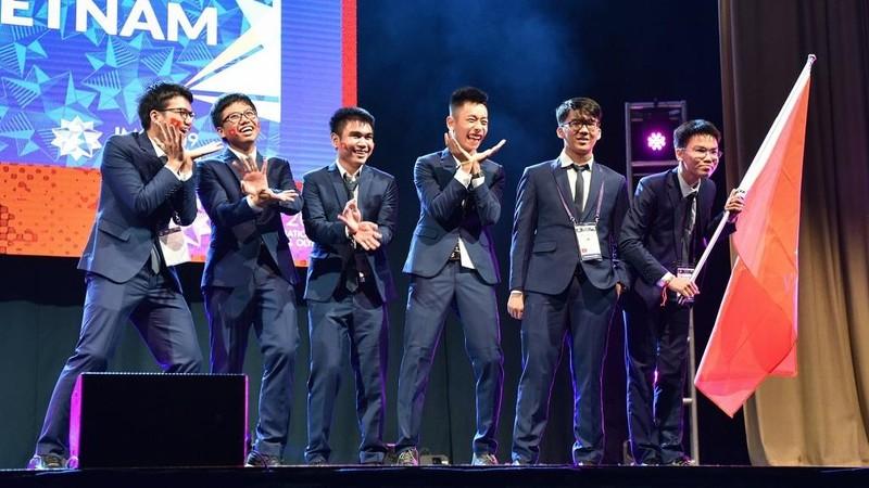 Đoàn Việt Nam giành 2 Huy chương vàng Olympic Toán quốc tế - ảnh 1
