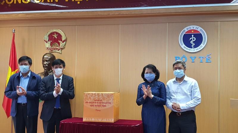 BV Bệnh nhiệt đới Trung ương nhận huân chương Lao động hạng Ba - ảnh 1