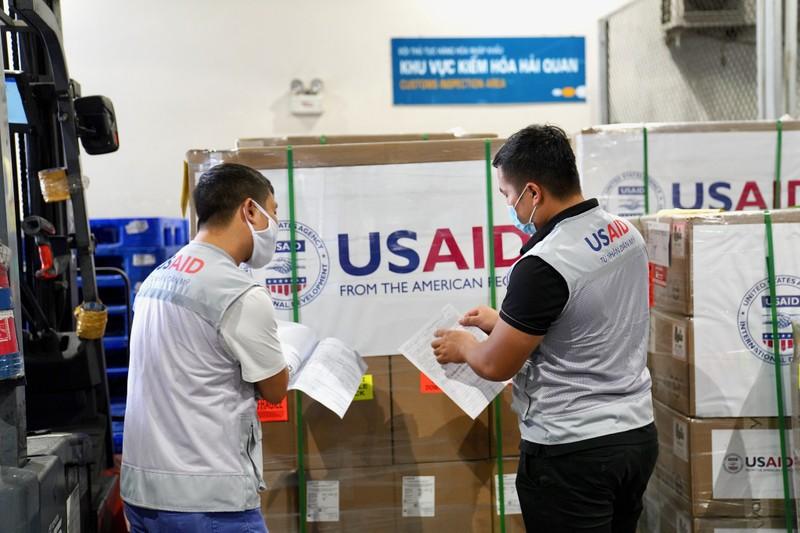 Hoa Kỳ trao tặng Việt Nam 100 máy thở trị giá 1,7 triệu USD - ảnh 7