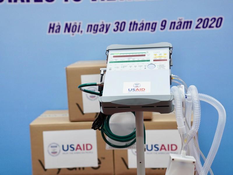 Hoa Kỳ trao tặng Việt Nam 100 máy thở trị giá 1,7 triệu USD - ảnh 8