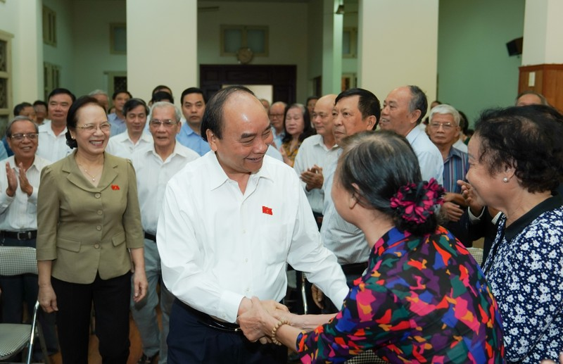 Thủ tướng yêu cầu xử lý nghiêm nếu có vi phạm về SGK lớp 1 - ảnh 1