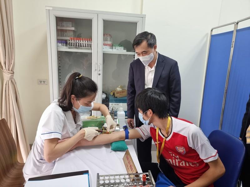 Cận cảnh 6 người tiêm thử vaccine ngừa COVID-19 COVIVAC - ảnh 5