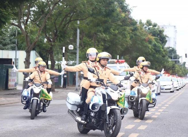 Cảnh sát giao thông toàn quốc mở cao điểm dịp lễ 30-4,1-5 - ảnh 1