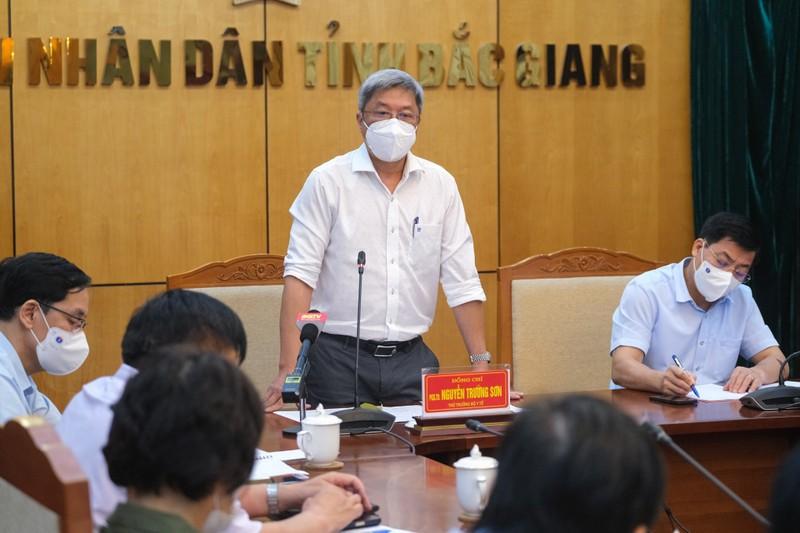 Bộ Y tế huy động chuyên gia về Bắc Giang dập dịch trong đêm - ảnh 2