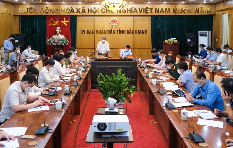 Bộ Y tế huy động chuyên gia về Bắc Giang dập dịch trong đêm - ảnh 1