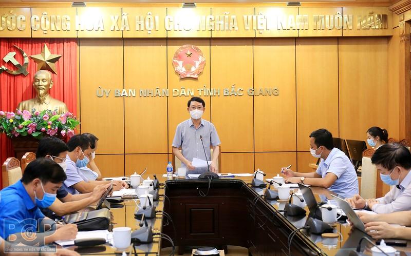 Bắc Giang tạm đóng cửa 4 KCN, cách ly toàn bộ huyện Việt Yên - ảnh 1