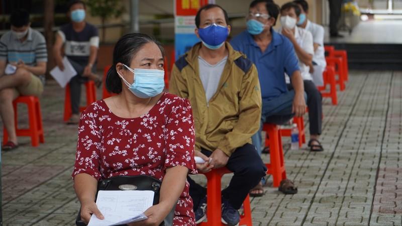 Bộ Y tế đề nghị Bình Dương, Đồng Nai, TP.HCM đẩy nhanh tốc độ tiêm vaccine  - ảnh 1