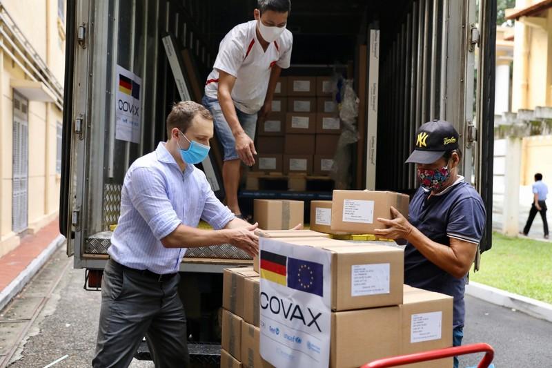 Việt Nam nhận thêm 825.480 liều vaccine của Chính phủ Đức - ảnh 1