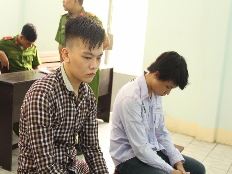 Hai bị cáo tại phiên xử  ngày 20-7