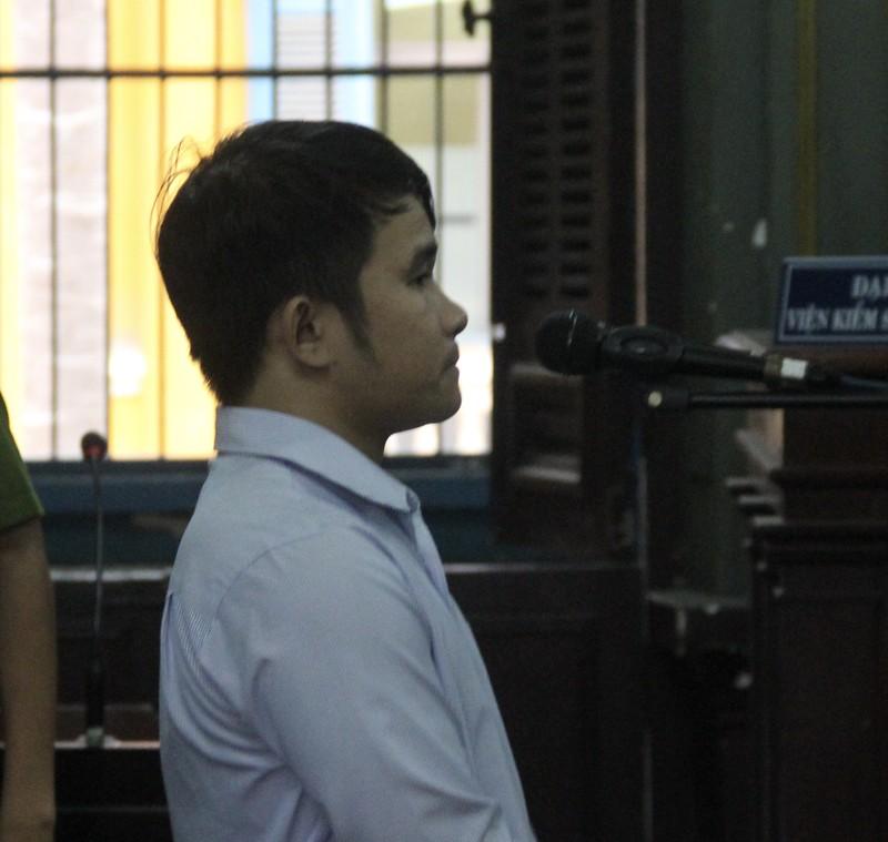 Bị cáo Dũng tại phiên xử sáng 13-12