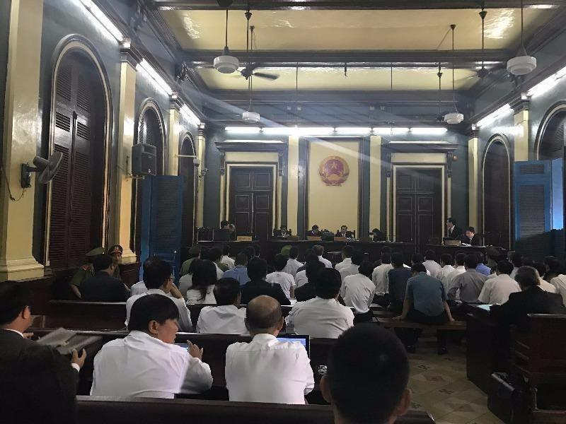 HĐXX gồm ba thẩm phán: Huỳnh Thanh Duyên, Phạm Trung Tuấn và Đặng Quốc Khởi (chủ tọa)