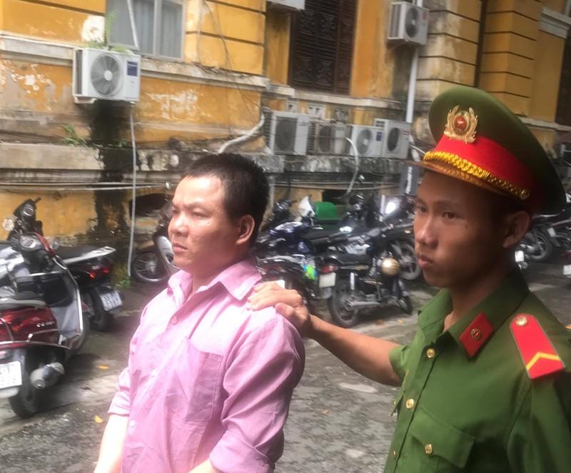 Bị cáo đọc báo Pháp Luật TP.HCM biết 'bị tòa xử nặng' - ảnh 1
