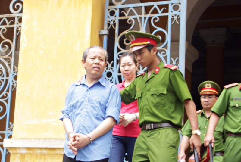 Trưởng Ban Bồi thường giải phóng mặt bằng quận1 ra tòa - ảnh 1