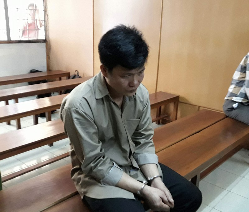 Giết vợ trong cơn say, chồng ra tòa khóc lóc - ảnh 1