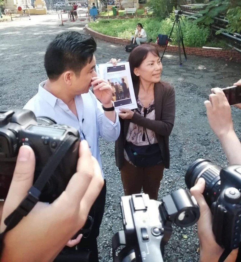 Đang xử vụ BS Chiêm Quốc Thái bị vợ cũ thuê người chém - ảnh 1