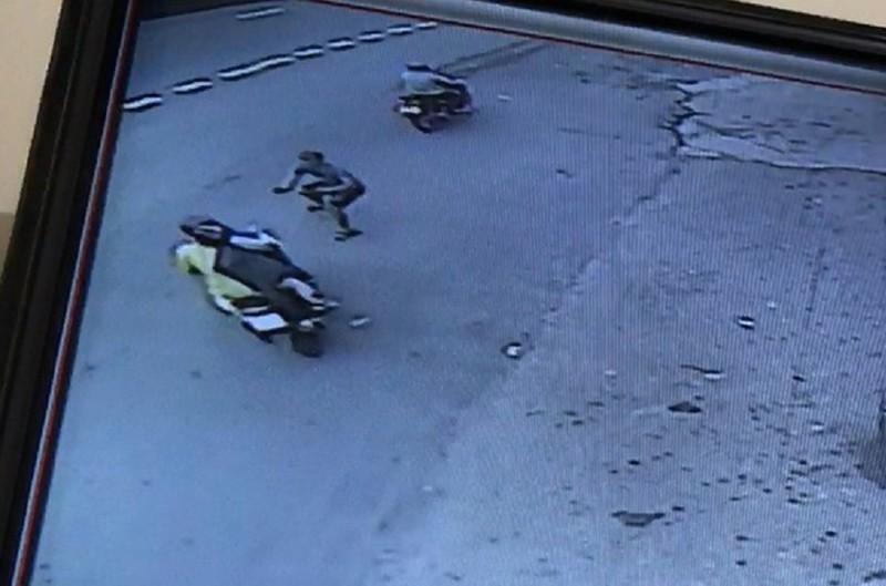 Truy tố băng nhóm chuyên dàn cảnh quẹt xe, cướp tài sản  - ảnh 1