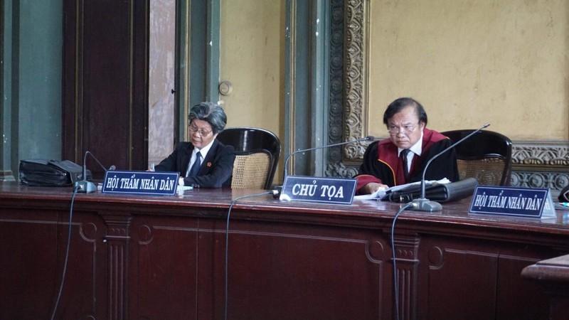 Tình tiết bất ngờ trước phiên xử ly hôn vợ chồng Trung Nguyên  - ảnh 3