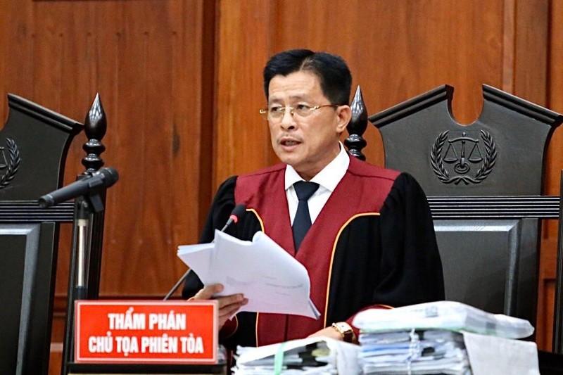 Ông Đặng Lê Nguyên Vũ ngồi lặng cả phút sau khi tòa tuyên án - ảnh 2