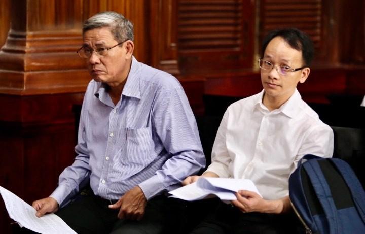 Ông Nguyễn Hữu Tín và các bị cáo đã đến tòa - ảnh 4
