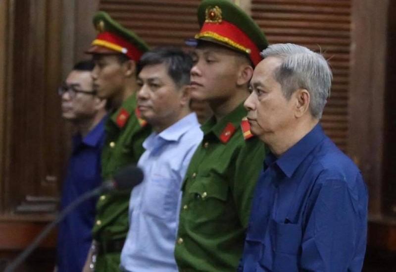 Vụ ông Nguyễn Hữu Tín: 'Người có chức vụ bé nhất lại đúng' - ảnh 1