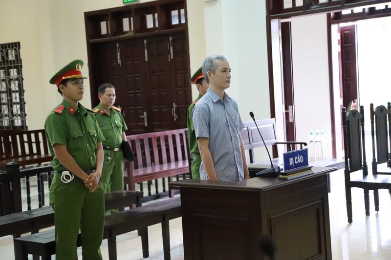 Cựu viện phó nhận hối lộ nói mình bị truy tố sai tội danh - ảnh 1