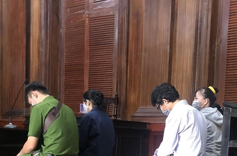 Tập đoàn cao su xin khoan hồng cho 5 nhân viên đang hầu tòa - ảnh 1
