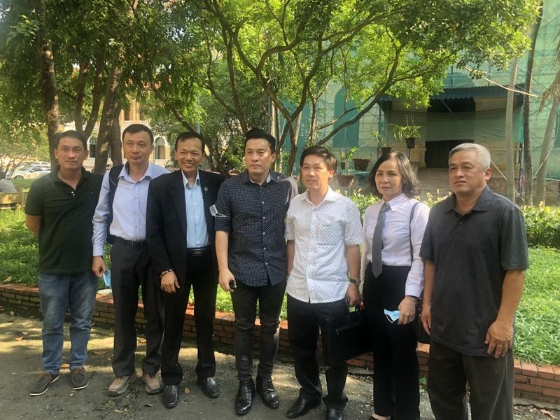 Ca sĩ Lam Trường cùng gia đình thắng vụ kiện về đất đai - ảnh 1