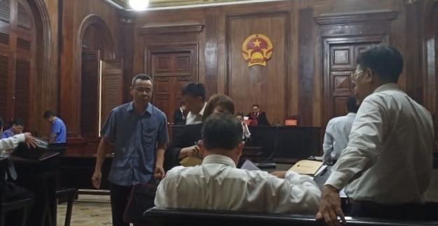 Đề nghị xử cựu phó giám đốc Ngân hàng Việt Nga đến 18 năm tù - ảnh 1