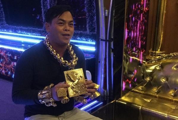 Đại gia thường mang 13 kg vàng sắp hầu toà - ảnh 1