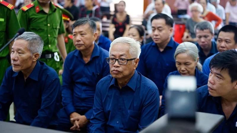 Đại án ngân hàng Đông Á giai đoạn 2: Triệu tập hàng trăm người - ảnh 1