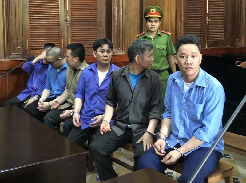 Nhóm đòi nợ thuê bắt người sang Campuchia lãnh án - ảnh 1