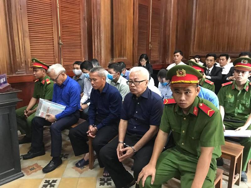 Đang thụ án chung thân, ông Trần Phương Bình lại ra tòa - ảnh 1