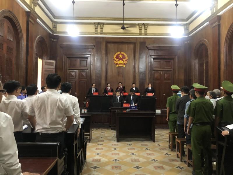 Tòa trả hồ sơ vụ gây thiệt hại 8.800 tỉ tại ngân hàng Đông Á - ảnh 1